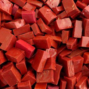 italiensk smalti glas rød
